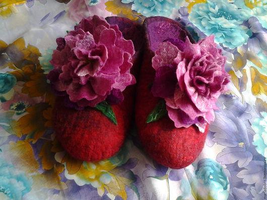 Обувь ручной работы. Ярмарка Мастеров - ручная работа. Купить тапочки пионы. Handmade. Розовый, тапочки валяные, пион с бутоном
