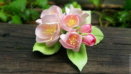 """Броши ручной работы. Ярмарка Мастеров - ручная работа. Купить Брошь """"Яблоня в цвету"""". Handmade. Бледно-розовый, брошь, ревелюр"""