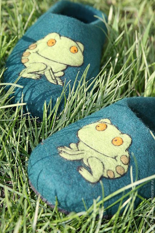 """Обувь ручной работы. Ярмарка Мастеров - ручная работа. Купить Тапочки """"Лягушата"""". Handmade. Тапочки, обувь для дома, тапочки для мальчика"""