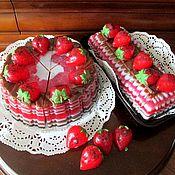"""Косметика ручной работы. Ярмарка Мастеров - ручная работа Мыло торт """"Клубничный"""". Handmade."""