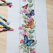 """Картины и панно ручной работы. Ярмарка Мастеров - ручная работа Вышитая картина """"Цветы и бабочки"""" ручная вышивка вышивка крестом. Handmade."""