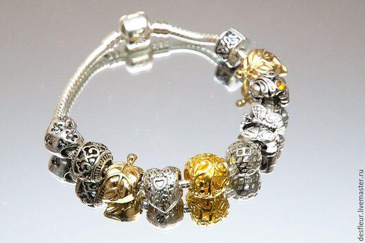 Браслеты ручной работы. Ярмарка Мастеров - ручная работа. Купить Счастья лепесток браслет с шармами. Handmade. Комбинированный