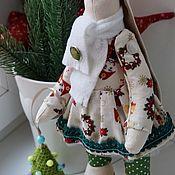 Куклы и игрушки ручной работы. Ярмарка Мастеров - ручная работа Новогодний заяц в стиле тильда с елочкой. Handmade.