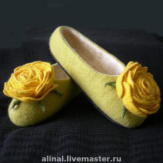 """Обувь ручной работы. Ярмарка Мастеров - ручная работа. Купить Валяные тапочки """"Солнечная роза"""" (женские). Handmade. Валяные тапочки"""