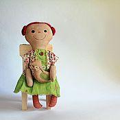 Куклы и игрушки ручной работы. Ярмарка Мастеров - ручная работа Неугомонная Энни, ароматизированная кукла, примитив, зеленый красный. Handmade.