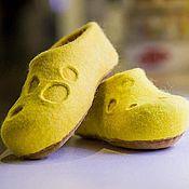 Обувь ручной работы. Ярмарка Мастеров - ручная работа Валяные тапочки Сырные. Handmade.