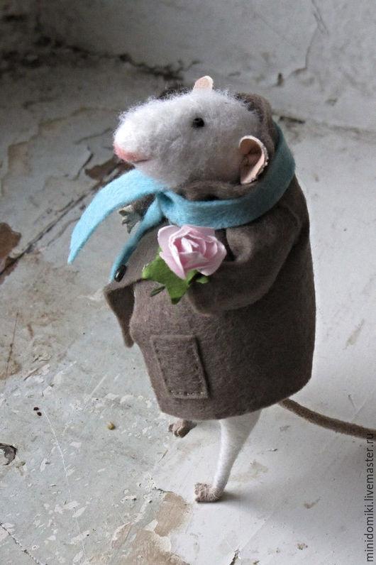 Игрушки животные, ручной работы. Ярмарка Мастеров - ручная работа. Купить Мышонок с розочкой. Handmade. Белый, роза, проволочный каркас