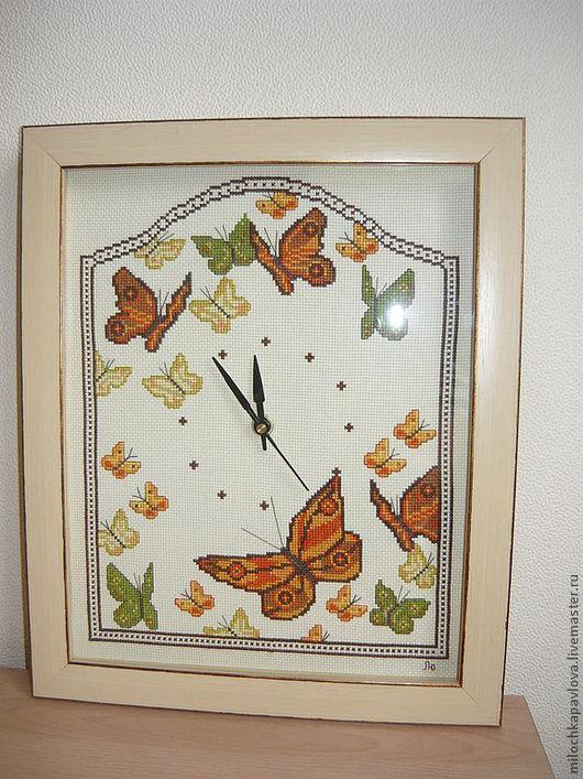"""Часы для дома ручной работы. Ярмарка Мастеров - ручная работа. Купить Часы """"Бабье лето"""". Handmade. Оранжевый, бабочки, часы"""