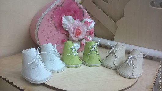 Одежда для кукол ручной работы. Ярмарка Мастеров - ручная работа. Купить Обувь для кукол.. Handmade. Ботиночки для куклы, кукольная обувь