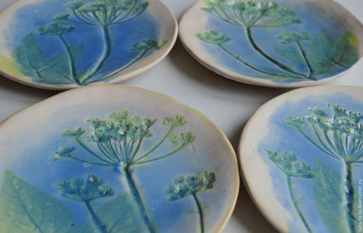 Тарелки ручной работы. Ярмарка Мастеров - ручная работа. Купить Тарелочки с цветами сныти. Handmade. Синий, цветы, керамическая посуда