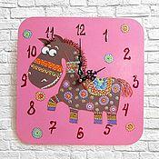 Часы классические ручной работы. Ярмарка Мастеров - ручная работа Часы настенные детские Этно Лошадка, настенные часы ручной работы. Handmade.