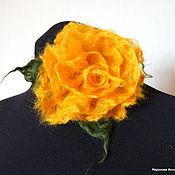 "Украшения ручной работы. Ярмарка Мастеров - ручная работа Валяная брошь ""Пушистая роза"" Жёлтая. Handmade."