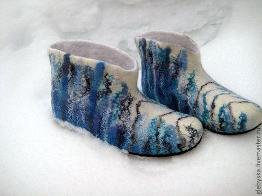 """Обувь ручной работы. Ярмарка Мастеров - ручная работа. Купить высокие тапочки """"Стужа"""". Handmade. Белый, подарок на день рождения"""