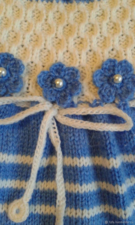 Платье детское спицами голубое