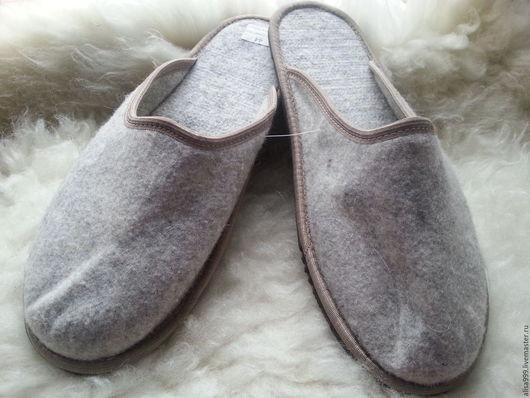Обувь ручной работы. Ярмарка Мастеров - ручная работа. Купить Тапочки из войлока. Handmade. Серый, мужские тапки из войлока