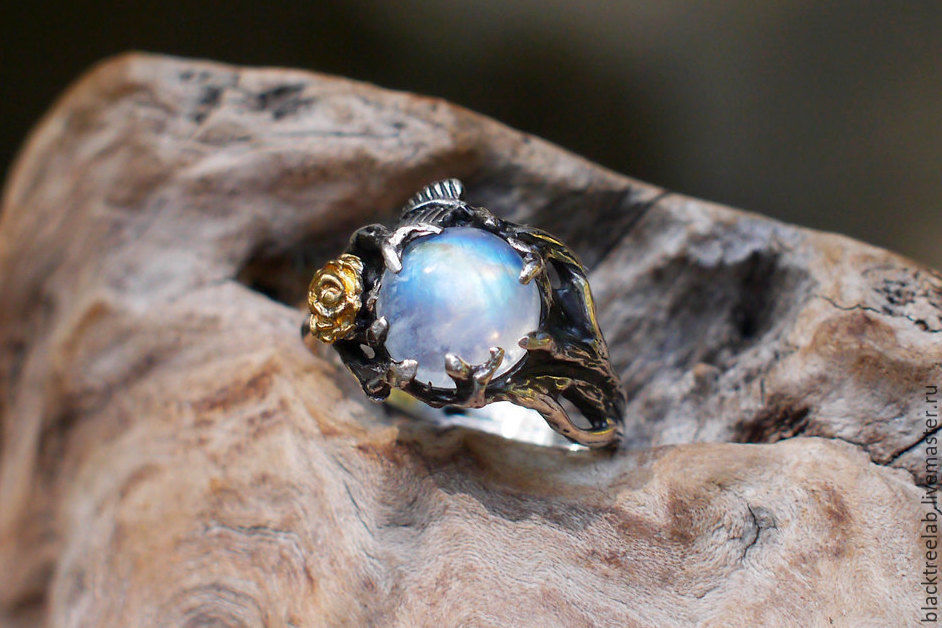 33 Moonstone Engagement Rings Youre Going to Want Right Now