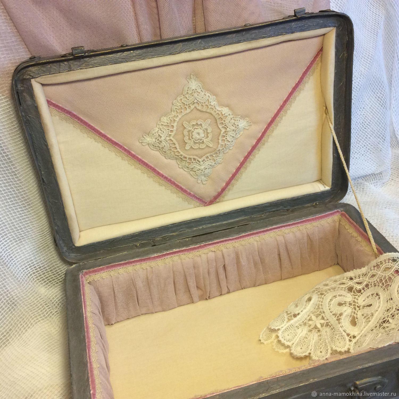 Чемодан винтажный Пыльная роза декупаж