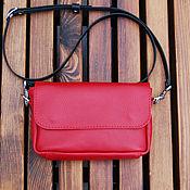 Сумки и аксессуары ручной работы. Ярмарка Мастеров - ручная работа Маленькая красная женская кожаная сумка через плечо. Handmade.