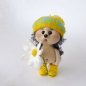 Куклы и игрушки handmade. Livemaster - original item Knitted interior toy Hedgehog with Daisy in the yellow hat. Handmade.