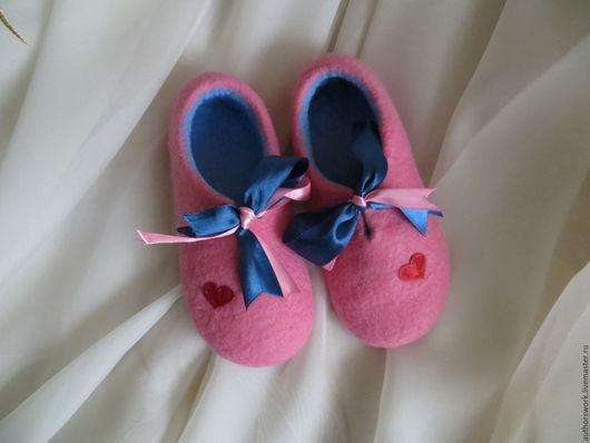 Детская обувь ручной работы. Ярмарка Мастеров - ручная работа. Купить Валяные домашние тапочки для девочки. Handmade. Обувь для девочки
