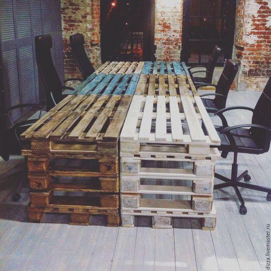 Офисные столы из паллет для лофт интерьеров. Размеры и окраска столов под заказ, любые.  Стоимость изготовления столов, включая стоимость материалов - 4000 рублей. Срок изготовления от 5 р.д.