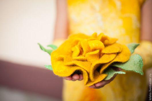 Броши ручной работы. Ярмарка Мастеров - ручная работа. Купить цветок из шерсти. Handmade. Желтый, цветок брошь