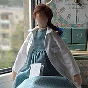 Куклы и игрушки ручной работы. Ярмарка Мастеров - ручная работа Портретная кукла Врач. Handmade.