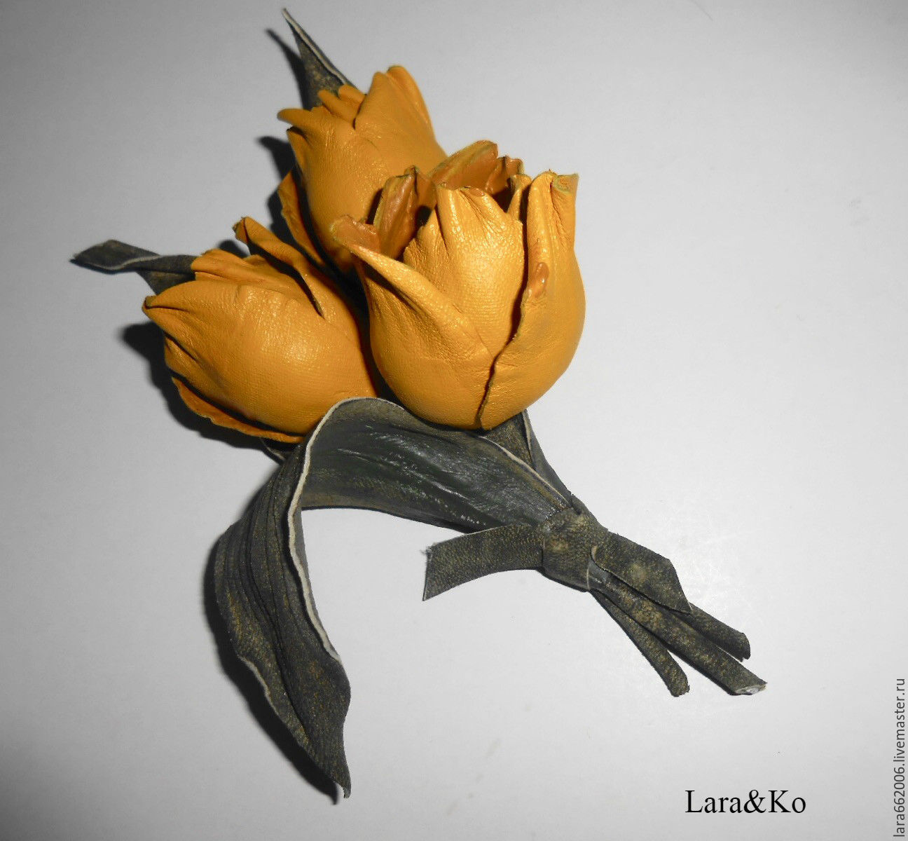 the decoration of leather,leather flowers,yellow tulips made of leather,leather jewelry,leather accessories,leather brooch,bouquet of tulips,handmade flowers,leather flowers decorative bouquet