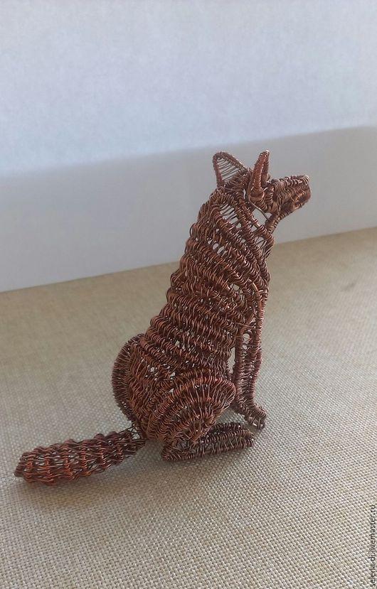 Статуэтки ручной работы. Ярмарка Мастеров - ручная работа. Купить Статуэтка Волк wire wrap. Handmade. Коричневый, питомец, медный