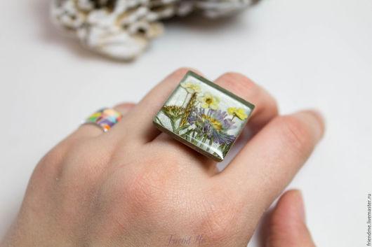 Кольца ручной работы. Ярмарка Мастеров - ручная работа. Купить Кольцо большое квадратное с цветами на серебристом фоне. Handmade. Серый