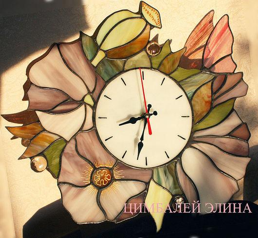 """Часы для дома ручной работы. Ярмарка Мастеров - ручная работа. Купить Витражные часы """"Любимые цветы"""". Handmade. Часы необычные"""
