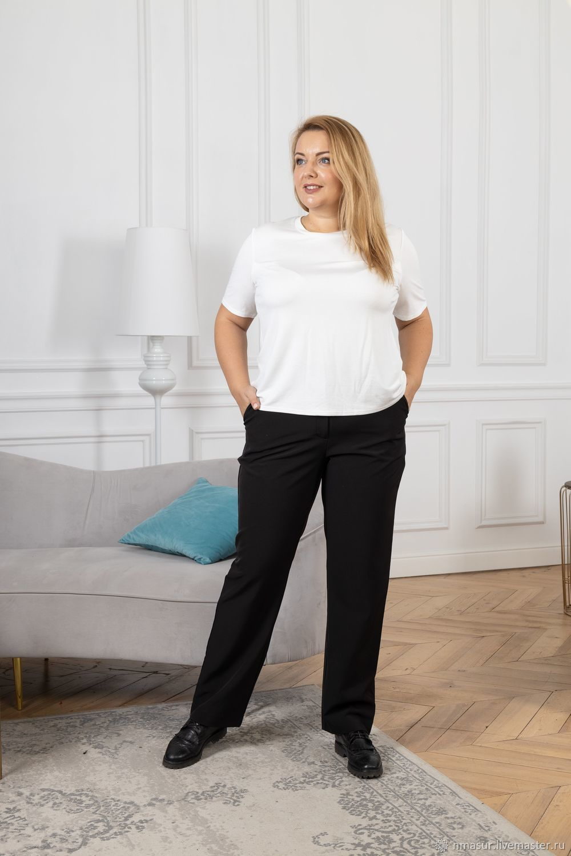 Базовая белая футболка и классические черные брюки – купить на Ярмарке Мастеров – N0V2WRU | Футболки, Новосибирск
