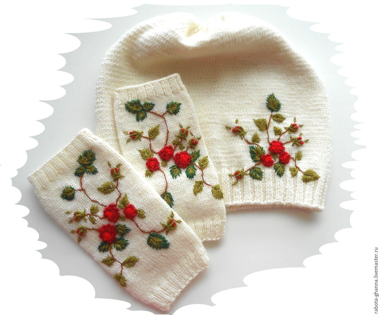 Вязаные перчатки с вышивкой