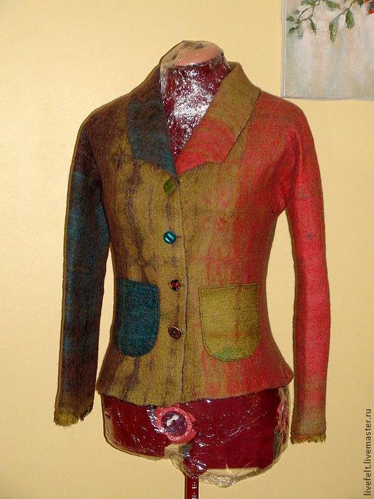 Пиджаки, жакеты ручной работы. Ярмарка Мастеров - ручная работа. Купить Валяный пиджак. Handmade. Бежевый, зеленый, меховой воротник