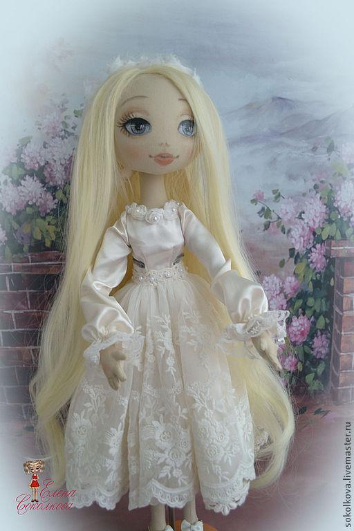 Коллекционные куклы ручной работы. Ярмарка Мастеров - ручная работа. Купить кукла Сонечка с мишкой. Handmade. Кукла, невеста, синтепон