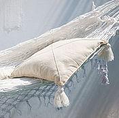 Для дома и интерьера ручной работы. Ярмарка Мастеров - ручная работа Подушка из ткани ручной выделки с крупными кистями. Handmade.