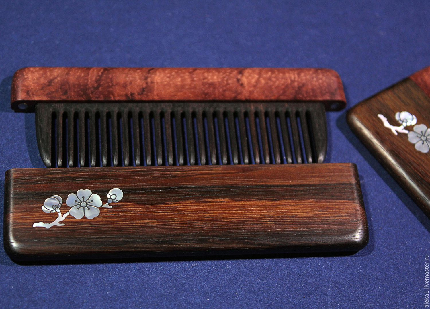 Comb in a case of rosewood and Bubinga Pamela inlaid with natural mother-of-pearl - Sakura branch.