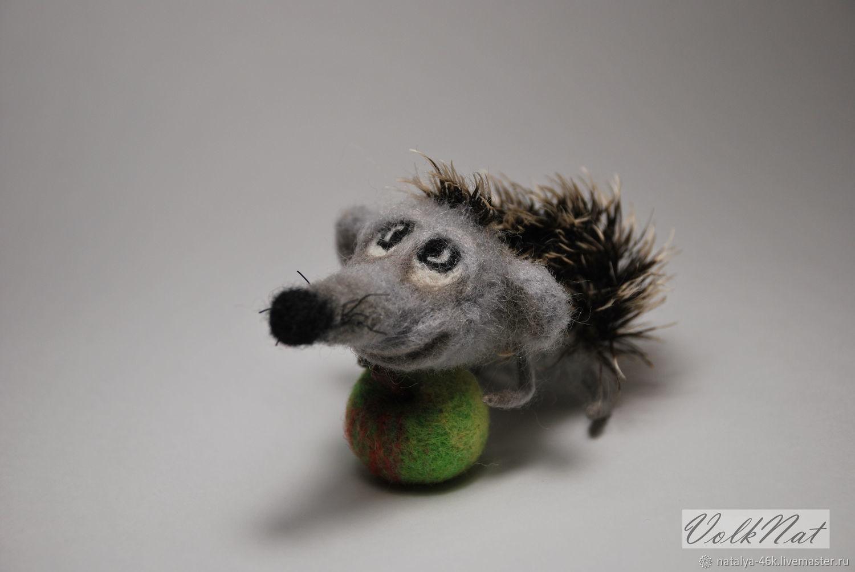 Миниатюрные игрушки из шерсти Ежик с яблоком – купить на ...