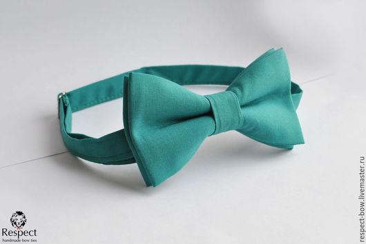 Галстуки, бабочки ручной работы. Ярмарка Мастеров - ручная работа. Купить Галстук бабочка зеленая Классика / бабочка-галстук зеленая однотонная. Handmade.