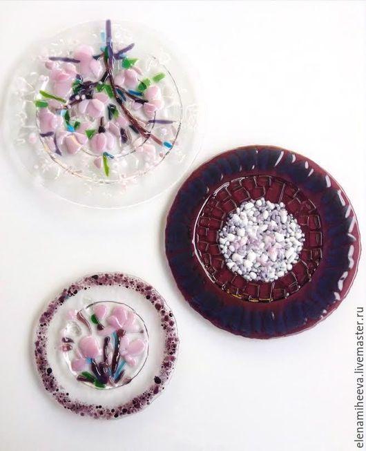 Декоративная посуда ручной работы. Ярмарка Мастеров - ручная работа. Купить Комплект из трех декоративных тарелок. Фьюзинг. Магнолия. Handmade.