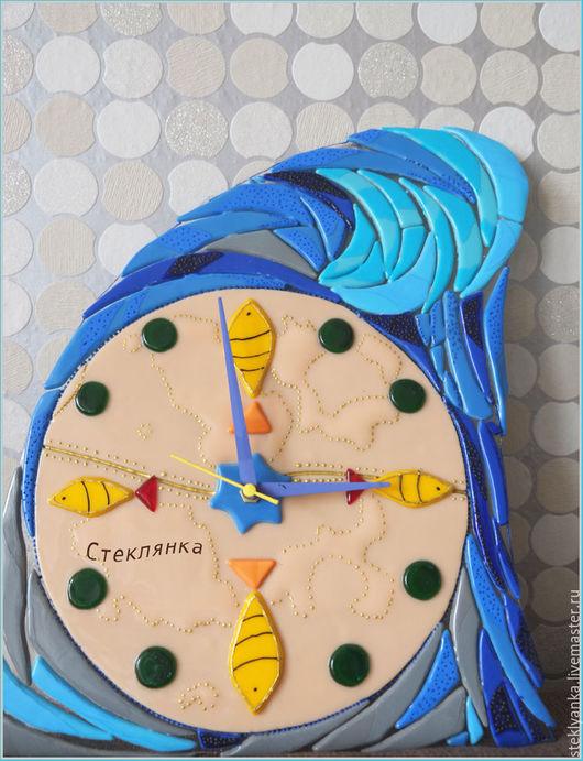 """Часы для дома ручной работы. Ярмарка Мастеров - ручная работа. Купить Часы """"Жизнь в волне"""". Handmade. Комбинированный, часы из стекла"""