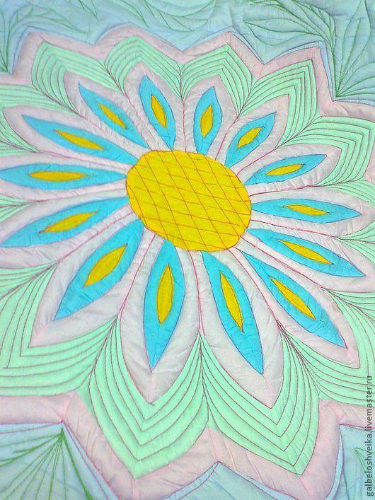 """Пледы и одеяла ручной работы. Ярмарка Мастеров - ручная работа. Купить Детское одеяло  """"Цветочная сказка"""". Handmade. Цветочный"""