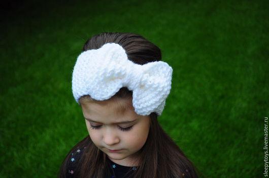 Повязки ручной работы. Ярмарка Мастеров - ручная работа. Купить Вязаная повязка бант на голову, белый. Handmade. Однотонный, повязочка