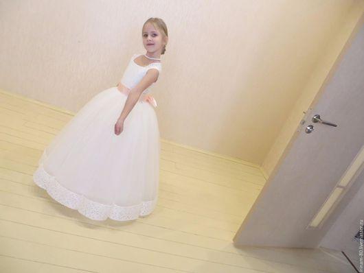 Одежда для девочек, ручной работы. Ярмарка Мастеров - ручная работа. Купить Нарядное пышное, кружевное платье для девочки. Handmade. Кремовый