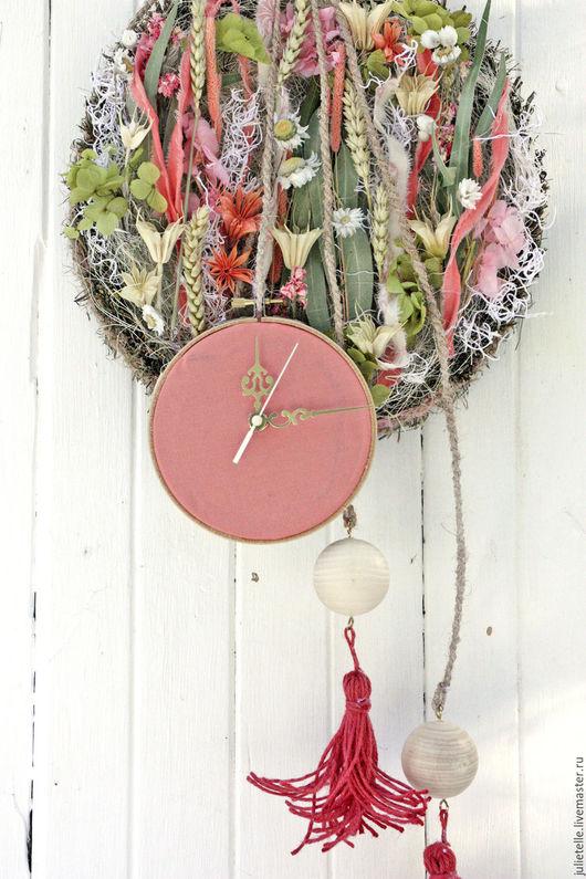 Часы для дома ручной работы. Ярмарка Мастеров - ручная работа. Купить Настенные часы. Handmade. Коралловый, необычные часы, подарок
