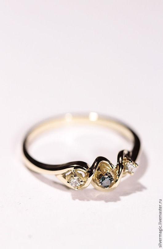 Кольца ручной работы. Ярмарка Мастеров - ручная работа. Купить Золотое кольцо с цветным бриллиантом.. Handmade. Подарок к Новому году