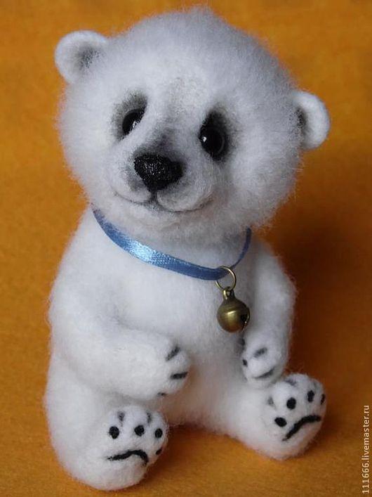 """Игрушки животные, ручной работы. Ярмарка Мастеров - ручная работа. Купить Игрушка из шерсти """"Белый медвежонок"""". Handmade. Белый"""