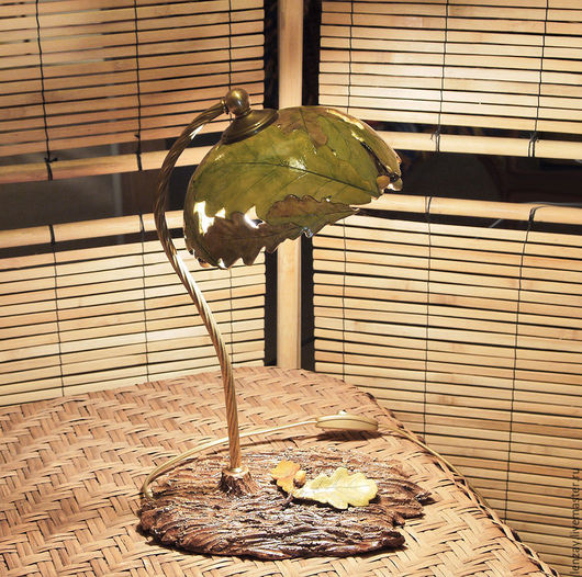 Настольная лампа `Дубовые листья и желуди`. Ажурная керамика и керамические цветы Елены Зайченко