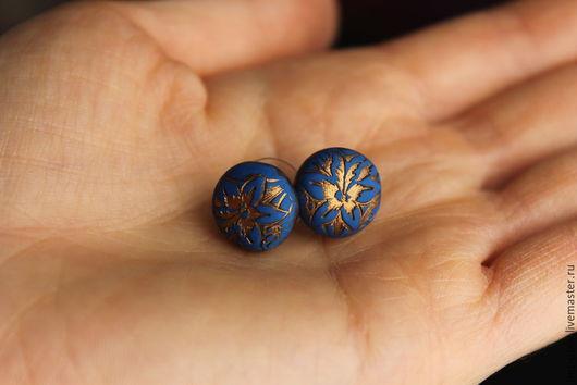 """Серьги ручной работы. Ярмарка Мастеров - ручная работа. Купить Серьги-пуссеты """"Цветочный орнамент"""". Handmade. Тёмно-синий, джинс"""