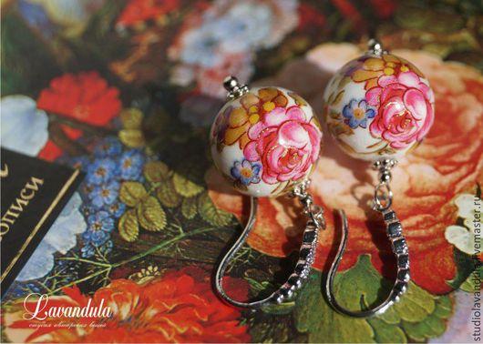 Серьги Тенша с родиевым покрытием по латуни `Павлопосадский платочек`, украшенные цирконами.